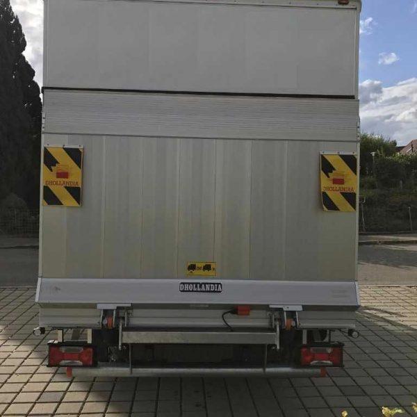 Iveco-Umzugswagen-Hebebühne
