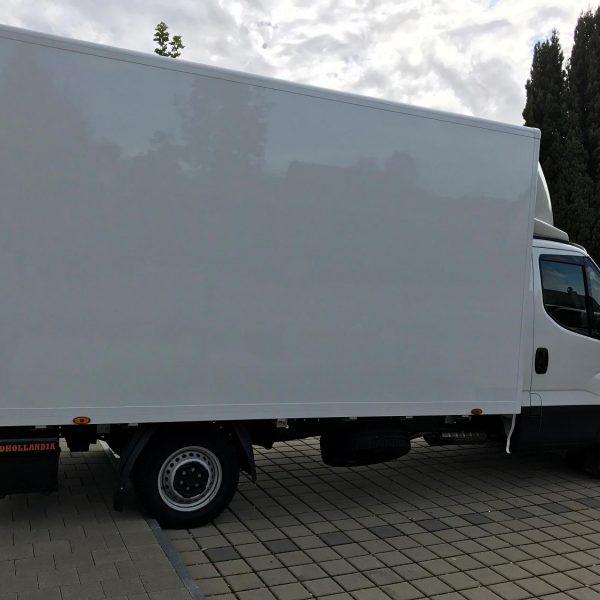 Iveco-Umzugswagen-Seite